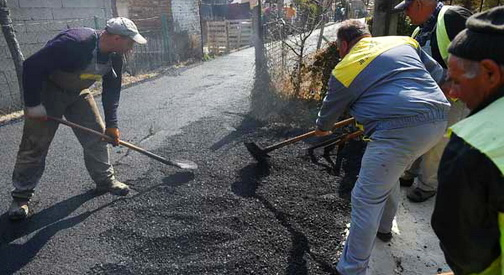 Продолжува акцијата за асфалтирање на оштетените улици во село Инџиково