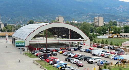 Хокеј игралиштето во СЦ  Борис Трајковски  функционира без одобрение за градење