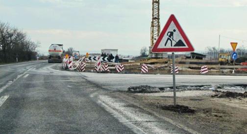5 8 милиони евра за одржување на главните патишта низ земјава